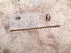 Detail images: Paar Augsburger Silberplatten mit Wappengravur