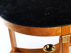 Detail images: Runder Guéridontisch mit Marmorplatte