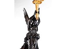 Detail images: Große, figürlich gestaltete Girandole in dunkel patinierter und feuervergoldeter Bronze