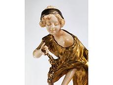 Detail images: Figurengruppe in feuervergoldeter Bronze und Elfenbein