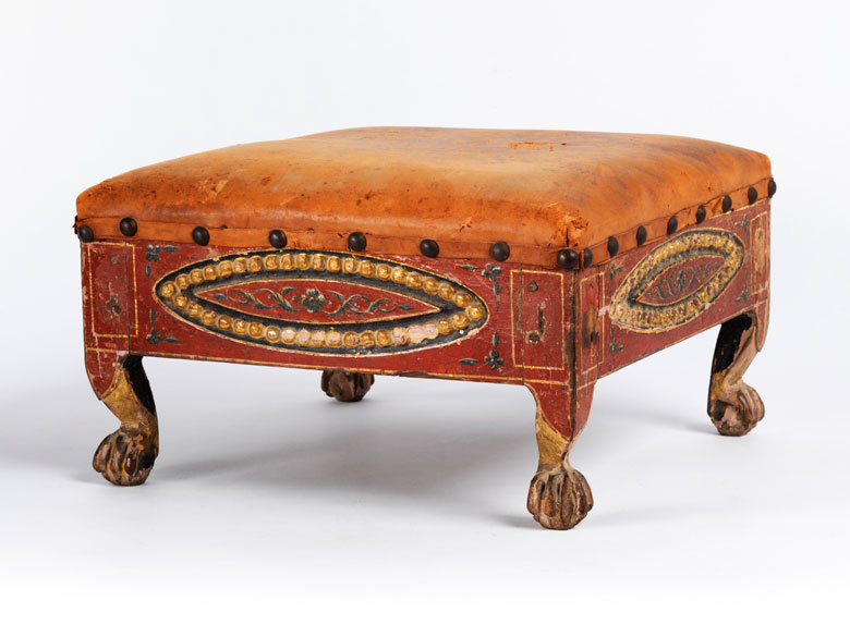 Klassizistischer Fusshocker Hampel Fine Art Auctions