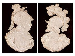 Paar seltene Elfenbeinreliefbüsten antiker Herrscher in Rüstung