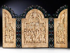 Bedeutendes Triptychon in Elfenbein, Silber, Email und Steinbesatz, dem Thema des römischen Kaisers Marc Aurel, 121 - 180 n. Chr., gewidmet