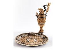 Detail images: Bedeutendes Historismus-Elfenbeinensemble einer Prunkkanne mit dazugehöriger Beckenschale