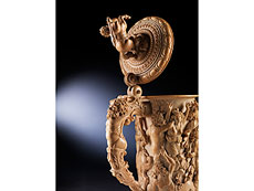 Detail images: Seltener, großer Prachthumpen in Elfenbein