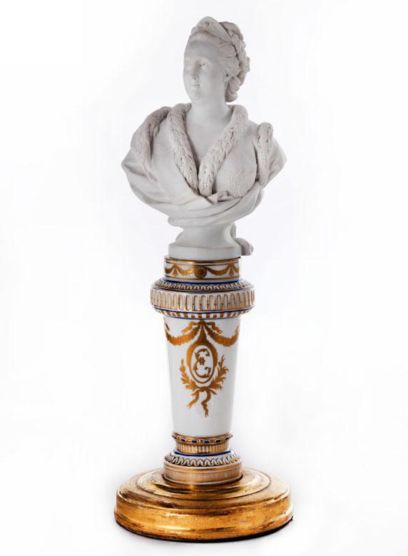 Seltene Porzellanbüste der russischen Zarin Katharina II.