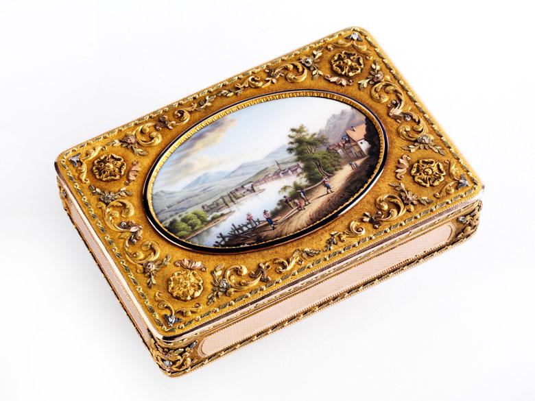 Golddose mit Miniatur-Landschaftsmalerei