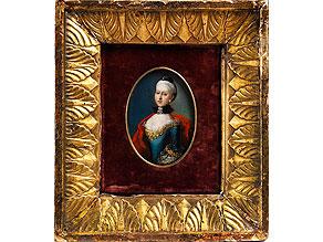 Ovales Miniaturportrait einer adeligen jungen Dame