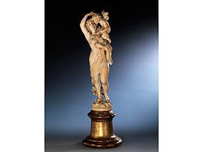"""Elfenbein-Schnitzfigur """"Venus und Amor"""