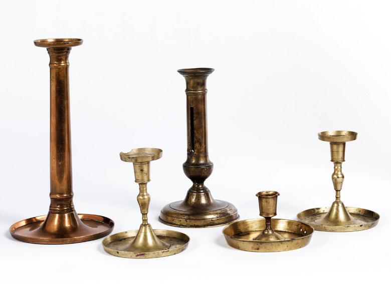 Konvolut von fünf Tischkerzenleuchtern