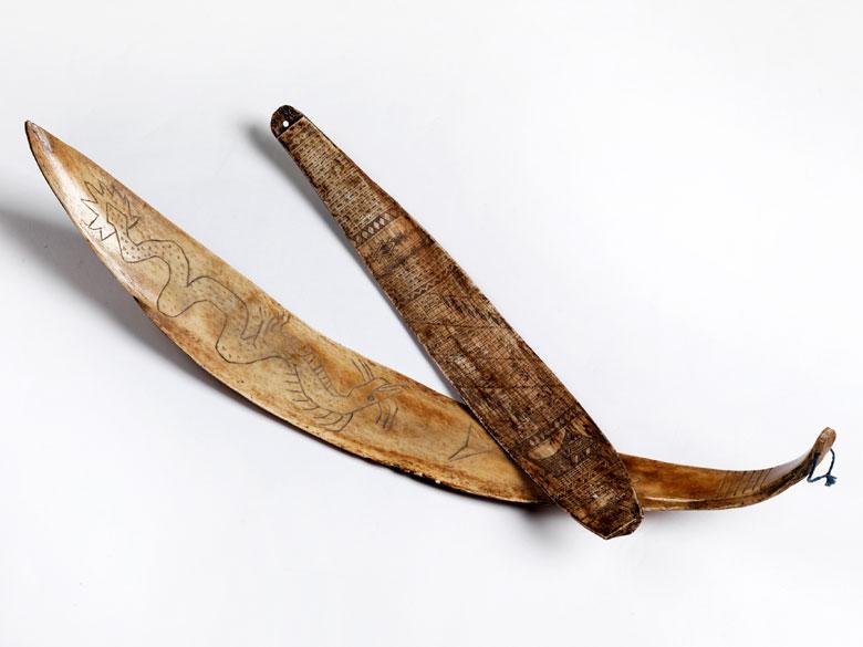 Paar indonesische Ritualknochen