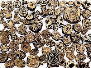 †Bedeutende Wappen europäischer Könige und Adeliger - 112 Stempel aus der Sammlung des königlichen Buchbinders