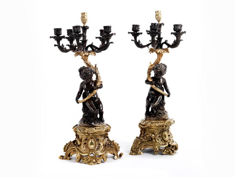 Paar sechsflammige, figürlich gestaltete Girandolen im Rokoko-Stil