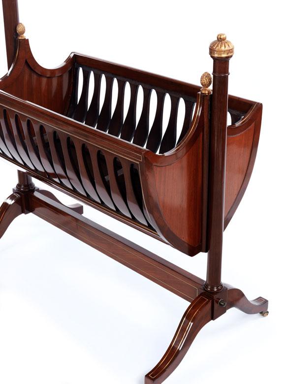 empire kinderwiege in mahagoni hampel fine art auctions. Black Bedroom Furniture Sets. Home Design Ideas