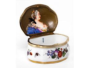 Porzellan-Tabatière mit Portrait der Zarin Katharina II