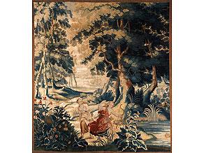 Flämischer Gobelin des 17. Jahrhunderts mit Walddarstellung sowie mythologischer Szenerie