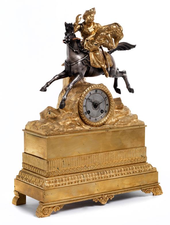 Französische Kaminuhr in Bronze