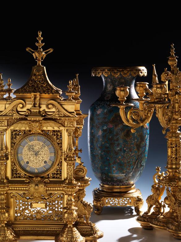 Kaminuhr garnitur in feuervergoldeter bronze im for Kaminuhr modern