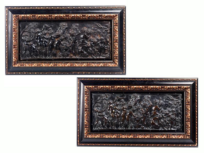 Zwei Bronzereliefs