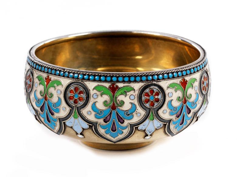 Kleine, russische Silberschale, vergoldet mit Emailmalerei