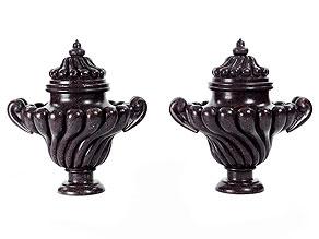 Paar seltene Rokoko-Vasen in Porphyr
