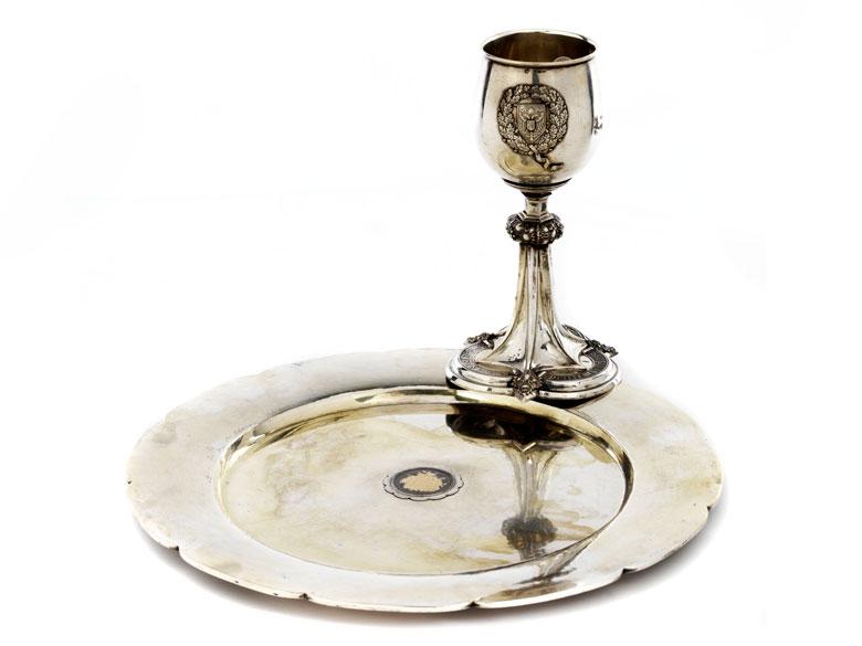 Silberpokal und Platte