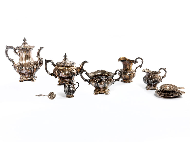 Silberkonvolut mit Kaffee-, Teekannenservice und diversen kleinen Teilen