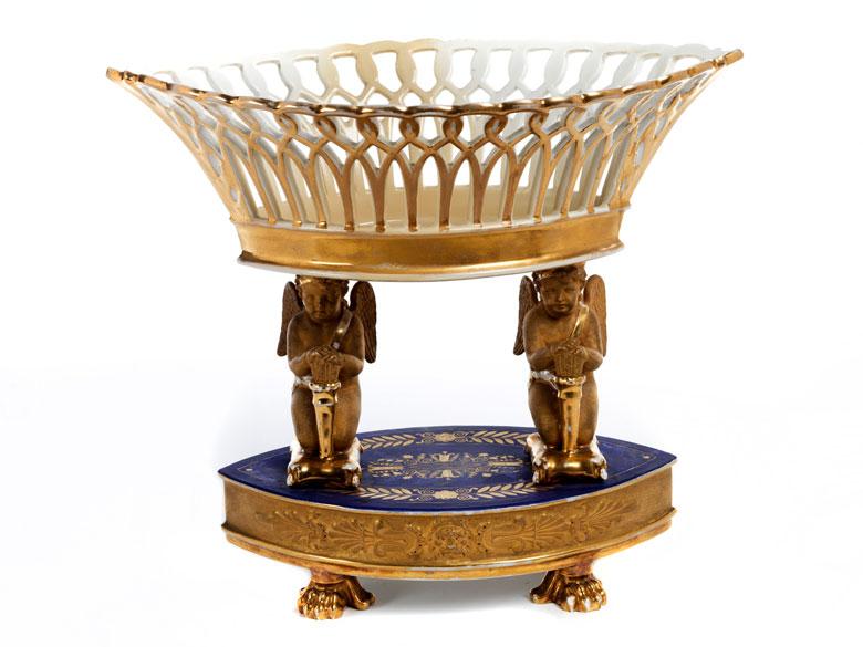 Empire-Tafelaufsatz in Porzellan und Vergoldung