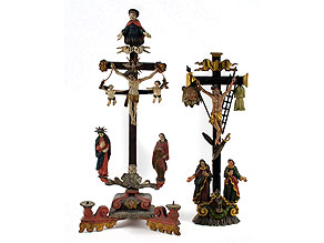 Zwei Kruzifixe