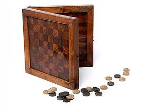 Detail images:  Schachbrettkasten