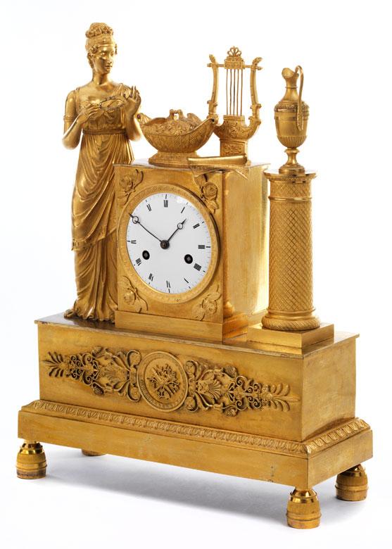Empire-Kaminuhr in vergoldeter Bronze