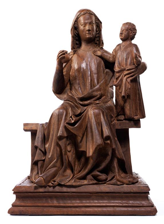 Museale, bedeutende Schnitzfigur der Thronenden Madonna mit Kind um 1310