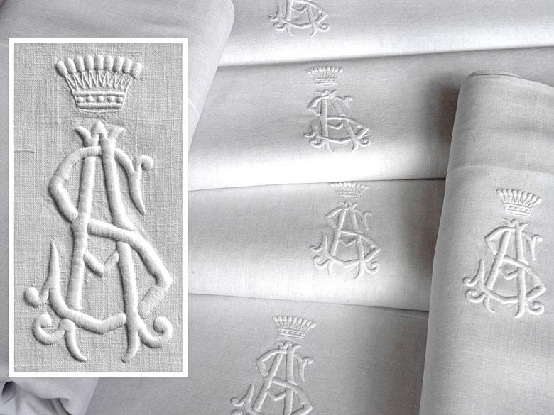 Sechs Tücher mit großem gräflichem Monogramm AS