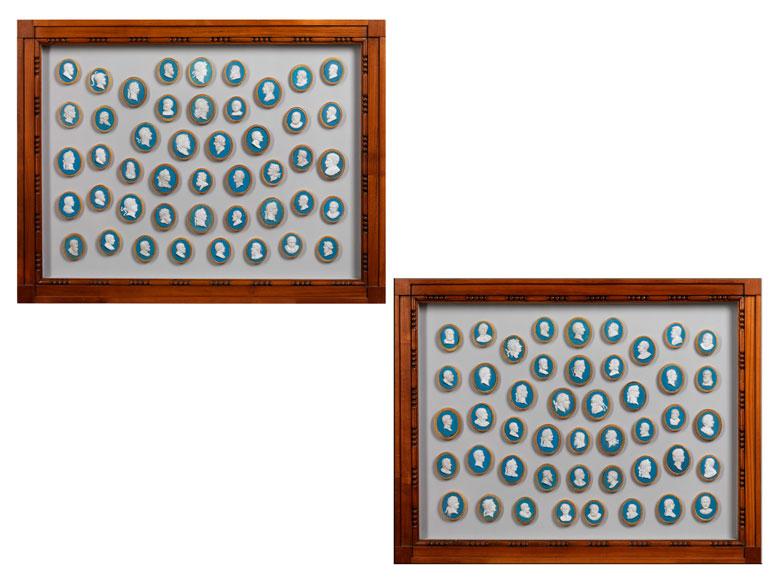 Gemmensammlung in zwei klassizistischen Kirschholzrahmen unter Glas