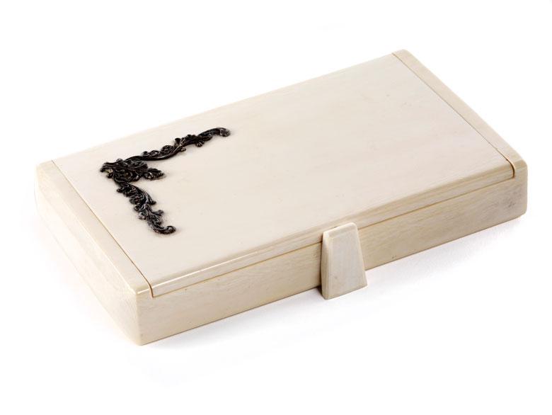 Rechteckige Elfenbein-Schminkdose