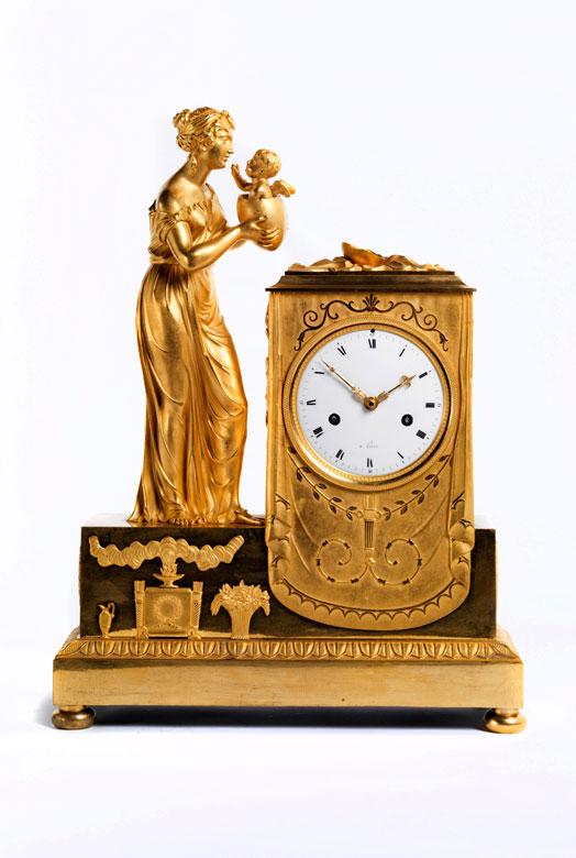 Klassizistische Kaminuhr in Bronze und Feuervergoldung