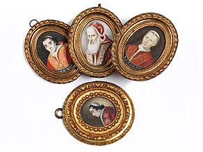 Satz von vier Portraitminiaturen mit Darstellung von Päpsten