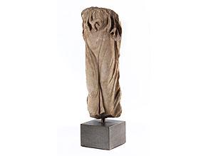 Marmortorso einer weiblichen Gewandfigur