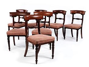 Satz von sieben Mahagoni-Stühlen
