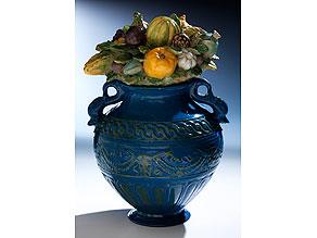 Bedeutende museale Keramikvase mit Fruchtgebinde aus der Werkstatt von Giovanni della Robbia