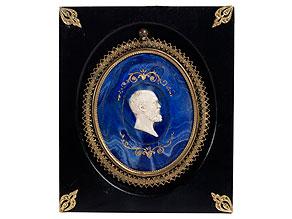 Ovales Scagliola-Medaillon mit Portraitkopf