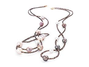 Paar Perlenketten