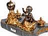 Detail images: † Großes Schreibzeug mit Uhr und figürlicher Dekoration