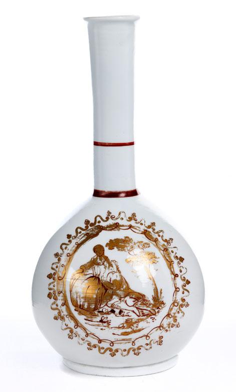 Keulenflasche in weißem Milchglas