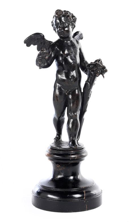 Bronzefigur eines geflügelten Amorknäbleins mit Füllhorn und Früchten