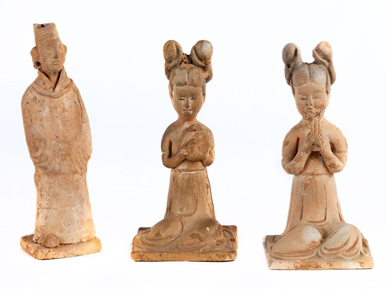 Drei figürliche Grabbeigaben