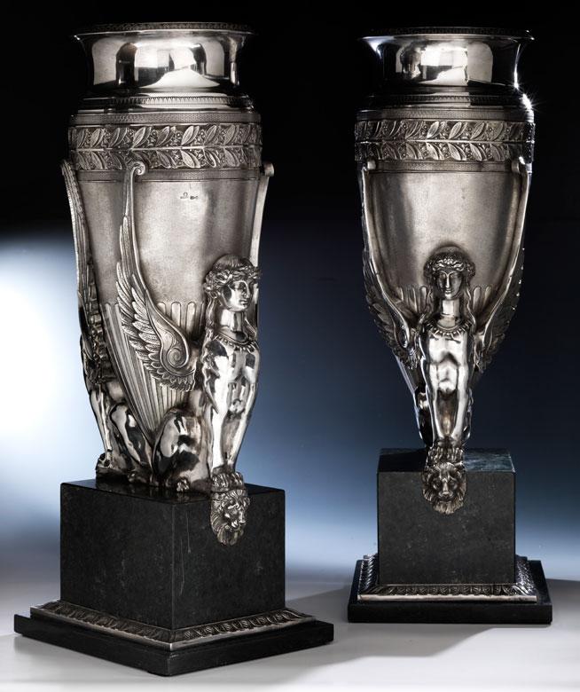 Paar große Silbervasen, Pavel Ovchinikov zug.