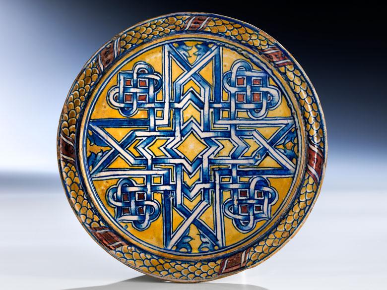 Majolika-Platte mit kleinem Fuß aus der Werkstatt von Maestro Giorgio Andreoli