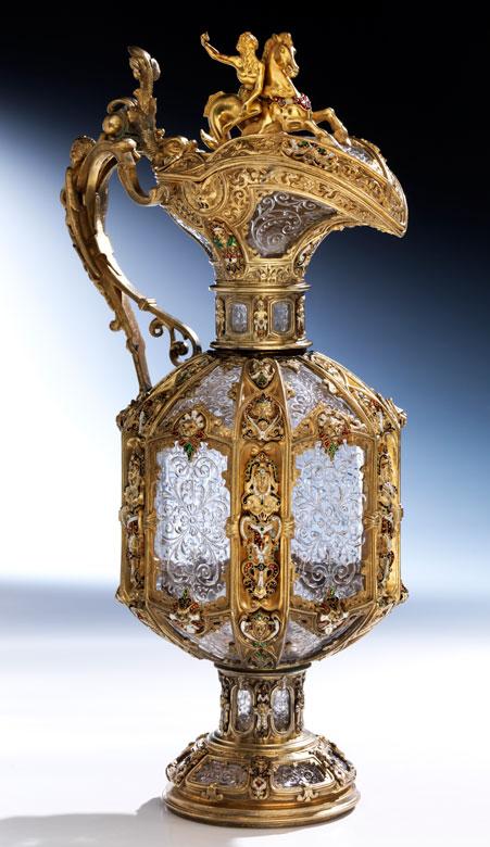Imposante, museale Prunkkanne in vergoldetem Silber mit Emaildekor, sowie Bergkristalleinsätzen