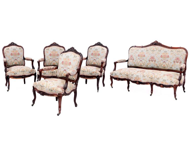 Sofa und vier Fauteuils im Rokoko-Stil
